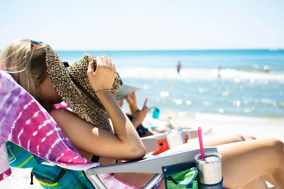 Consigli pratici su come proteggersi dalle scottature solari
