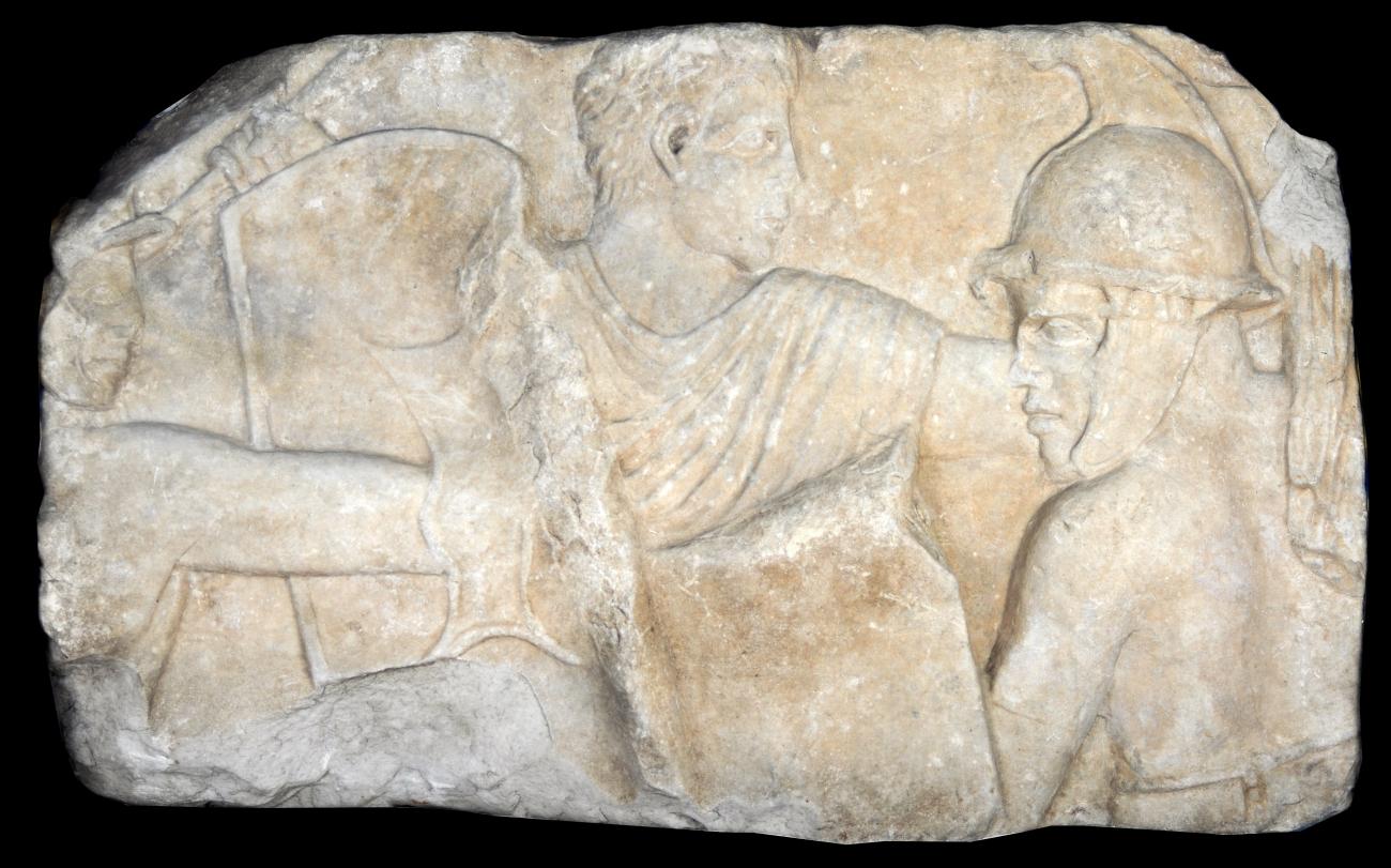 Il bassorilievo dei gladiatori torna al Lucus Feroniae